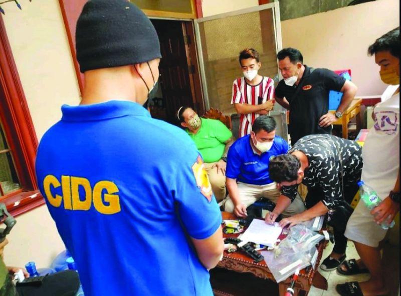 ■ RONDA: Ang balay sa Fil-Am nga John Renan Rejas, 40, taga Purok 8, Barangay Poblacion sa Tagbilaran, Bohol, gironda. / CIDG Bohol