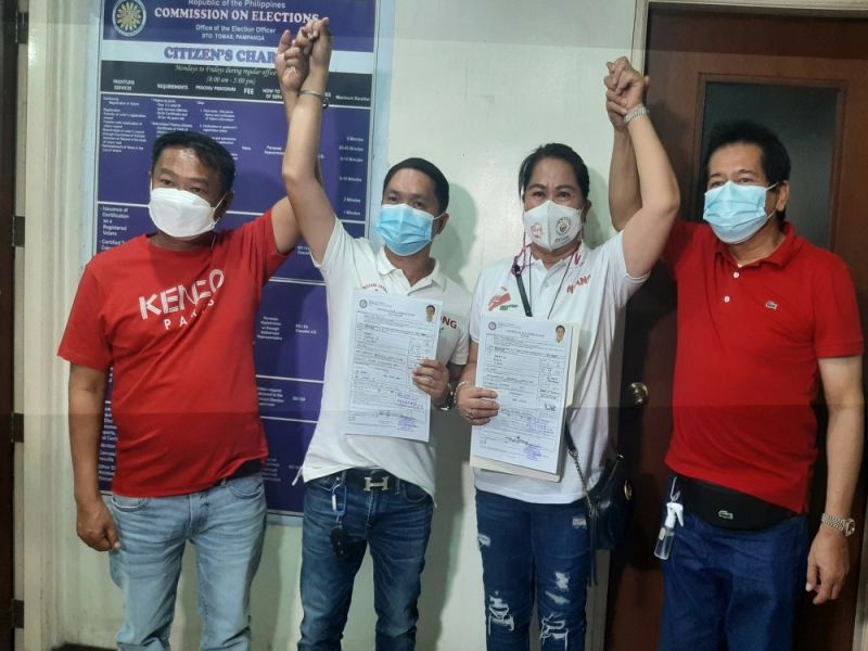 FULL SUPPORT. Re-electionist Sto. Tomas Mayor Gloria