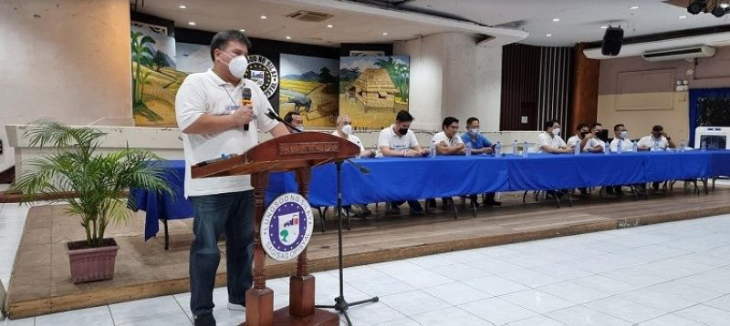 NEGROS. Silay City Mayor Mark Andrew Arthur Golez (standing) speaks at the presentation of his Asenso Silay and Asenso sang Panimalay fellow candidates at the city's Civic Center yesterday, October 7. (Contributed photo)
