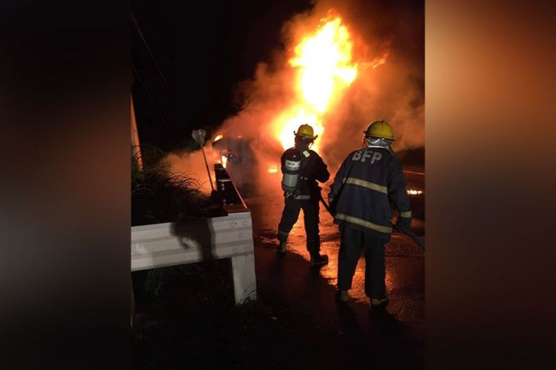 NEGROS. An early morning fire gutted a canter truck in Cadiz City Tuesday, October 12, 2021, burning a helper to death and injuring its driver. (Cadiz City Fire Protection Photo)