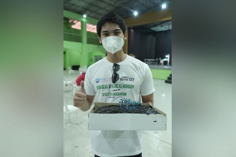 NEGROS. Javi Benitez has chosen to mark his 27th birthday, not in a conventional way of celebrating it but an endeavor that left a social impact in the community of Victorias City, his hometown. (Contributed photo)