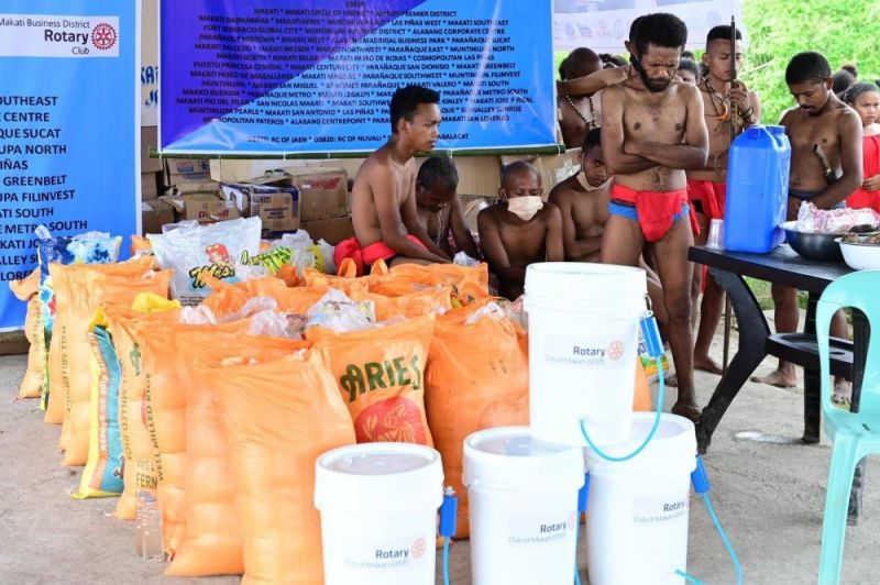 FOR AETAS' LIVELIHOOD. An Aeta community in Porac town receives livelihood and skills training from the Rotary Club of Makati Business District and Happy Hearts Foundation. (Contributed photo)