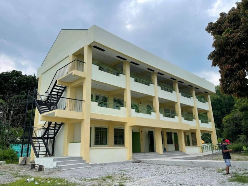 SCHOOL BUILDING. The Department of Public Works and Highways completed the construction of a three-story building at Malino Integrated School in the City of San Fernando, Pampanga. (DPWH)