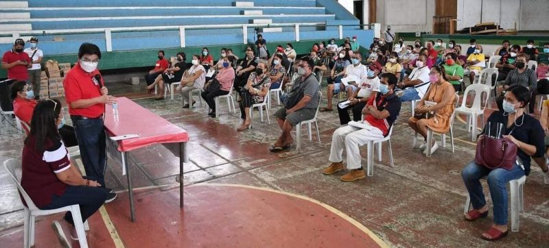 BACOLOD. Mayor Evelio Leonardia conducted a dialogue with the recipient of Tulong Panghanapbuhay sa Ating Disadvantaged/Displaced Workers. (Contributed photo)