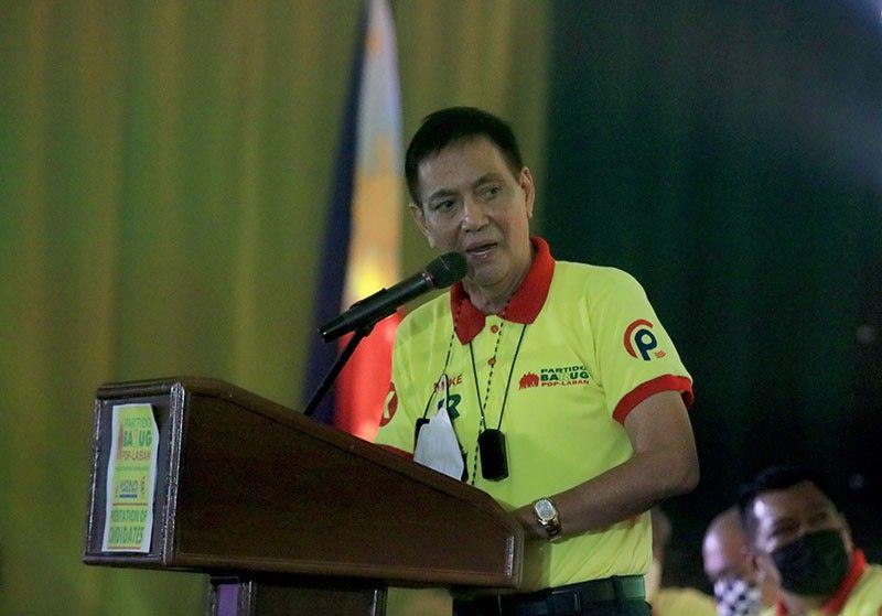 GIPAHUNONG: Si Cebu City Acting Mayor Michael Rama mimando sa pagpahunong una sa clinical trial sa bakuna nga gipalambo sa WestVac tungod sa kakuwang og koordinasyon kanila sa nagdumala./Alan Tangcawan