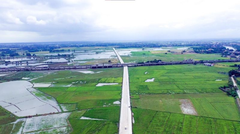 APALIT BYPASS ROAD. The Department of Public Works and Highways partially opened to motorists the new four-lane, 3.326-kilometer bypass road that runs along barangays Balucuc and Tabuyuc in Apalit, Pampanga. (DPWH)