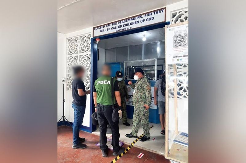 NEGROS. The Philippine Drug Enforcement Agency in Negros Occidental is closely monitoring several drug personalities allegedly financing local politicians. (PDEA photo)