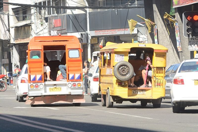 LTFRB studies petition for P3 hike in jeepney fare (File photo)