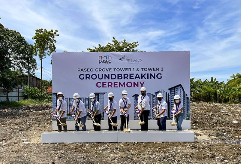 From left: Ar. Mark Inario (planning and design manager, Priland Development Corp.); Engr. Arturo Flores (technical manager, Priland Development Corp.); Engr. Roy Vincent Lumayag (VP for technical, Priland Development Corp.); Marcelino Relampagos (COO, Priland Development Corp.); Ramon Carlo Yap (president, Priland Development Corp.); Dudes Tuanquin (vice president for sales and marketing, Priland Development Corp.); Irvin Paul Pastoriza (sales manager, Priland Development Corp.); and Rovie Joy Erecre (marketing manager, Priland Development Corp.)