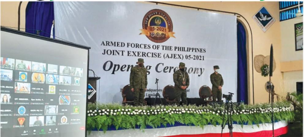 14 KA ADLAW: Si AFP Chief of Staff General Jose Faustino Jr. (tunga) maoy nangu alang sa pagbukas sa military exercise nga molanat og 14 ka adlaw sa mga dapit nga ubos sa Visayas Command. / ARNOLD Y. BUSTAMANTE
