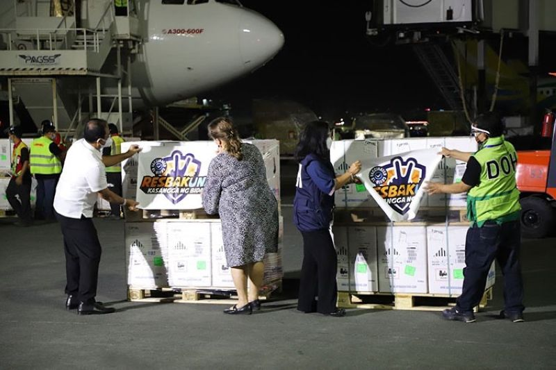 MANILA. Arrival of Pfizer Covid-19 vaccines. (Photo from National Task Force Against Covid-19)