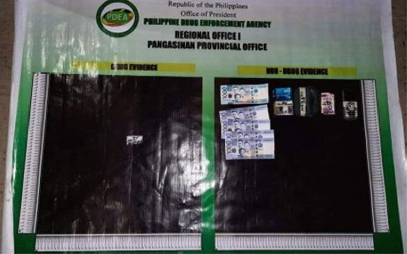 BUSTED. Authorities confiscate P7,749 worth of shabu from a high-value target in Dagupan City, Pangasinan on October 22, 2021. (Photo courtesy of PDEA Pangasinan)