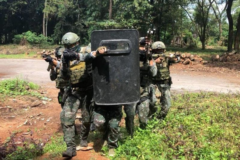 INTENSE TRAINING. Photos taken during the simulation exercises conducted by the Philippine National Police Special Action Force students at the former Clark Air Base Hospital in Clark Freeport Zone as part of their Urban Counter-Revolutionary Warfare Course. (CDC-TPD Photo)