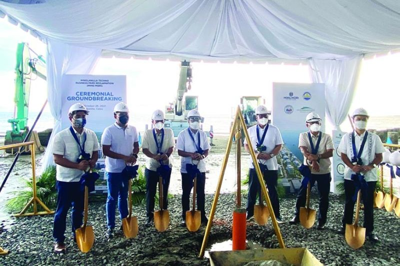 GROUNDBREAKING. Minglanilla Techno Business Park is expected to generate more than 700,000 square meters of saleable land area earmarked for light industrial, commercial, residential and institutional uses while 300,000 square meters will be dedicated to roads and generous green and open spaces. / KATLENE O. CACHO-LAUREJAS