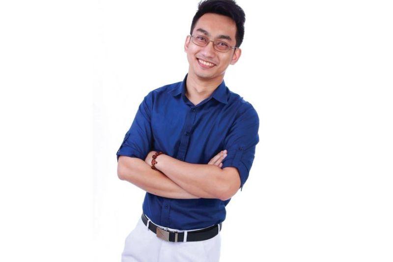 Dr. DEX MACALINTAL. Qure doctor and brand ambassador.