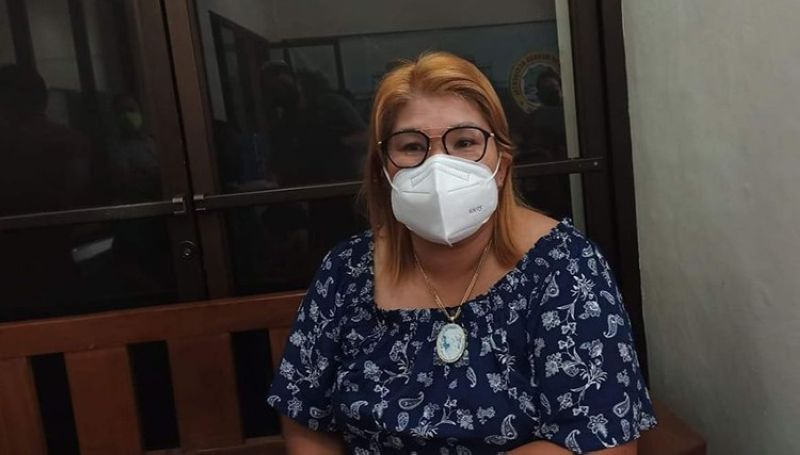 NEGROS. La Castellana Mayor Rhumyla Nicor Mangilimutan says the death of her mother, Noeme Nicor, due to Covid-19 has triggered an increase in the number of vaccinated individuals in the town. (File Photo)